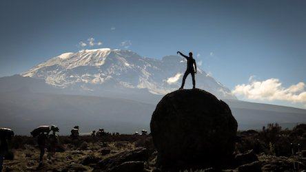Bij Mount Kilimanjaro met War Child