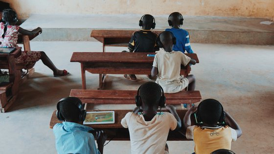 Can't Wait to Learn - War Child Uganda - tablet education