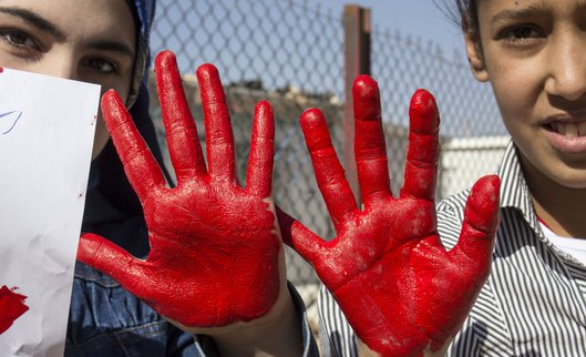 Jordanië meisjes girls red hand day rode handen dag War Child
