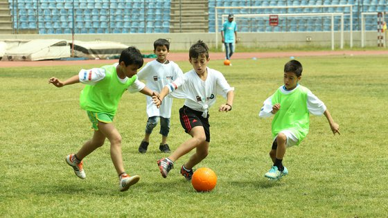 SAHA Football Unites War Child jongens
